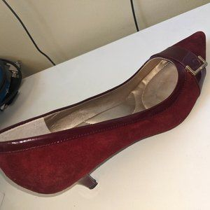 "Bandolino ""Flex"" Burgandy and Patent Leather Pumps"